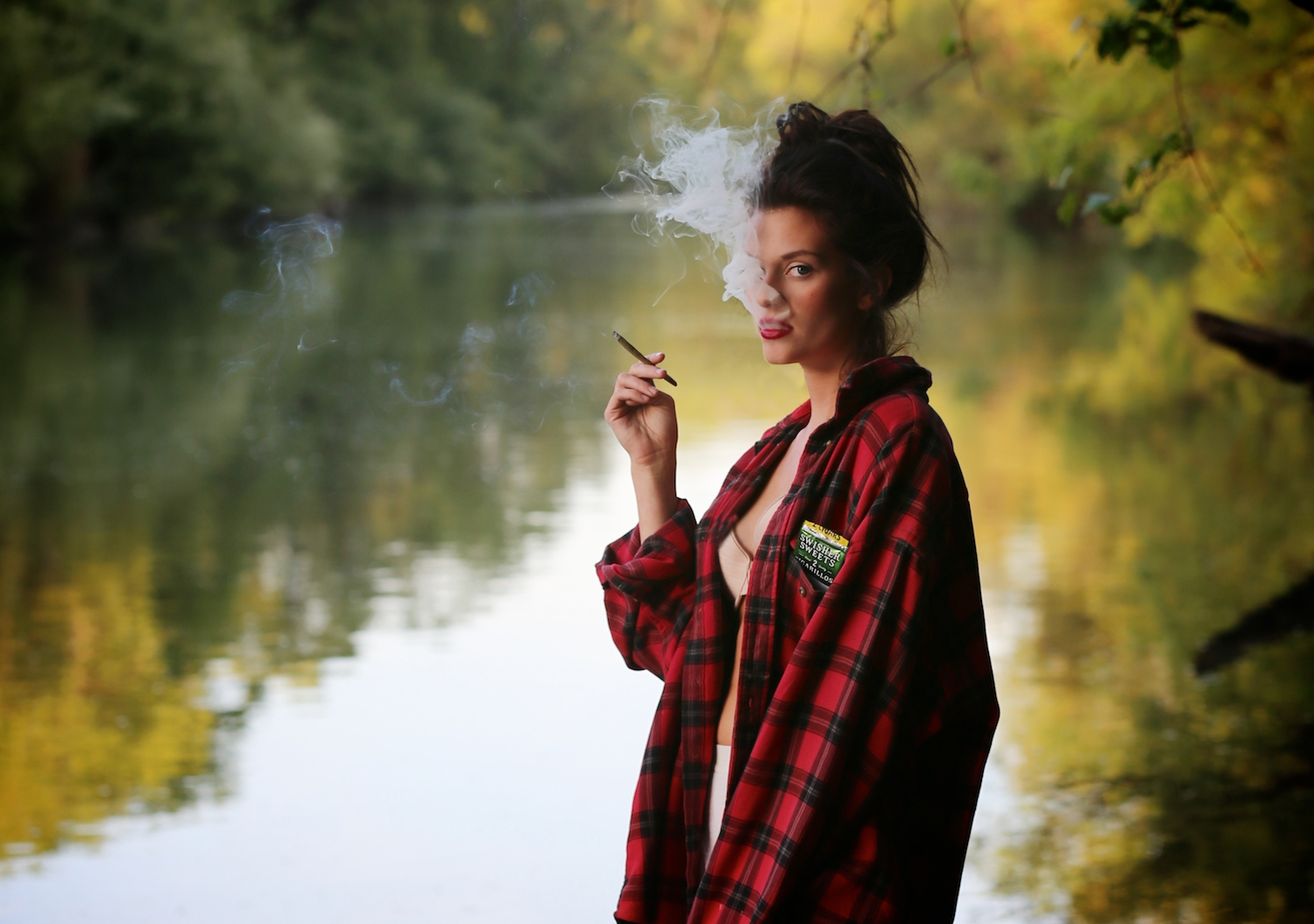 russian river, mendocino, travel blog, heather van gala, fashion editorial fall,, model, 80s fashion, smoking, photographer