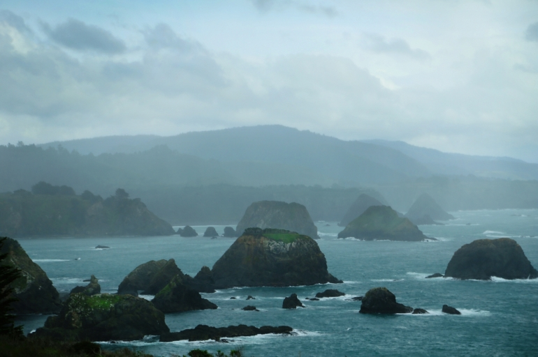 pacific coast hwy, hwy 1, california, eureka, pacific northwest, coastal landscape, stormy ocean, northwest, california coast, travel blog, coastal road trip, gloomy coastal image, heather van gala