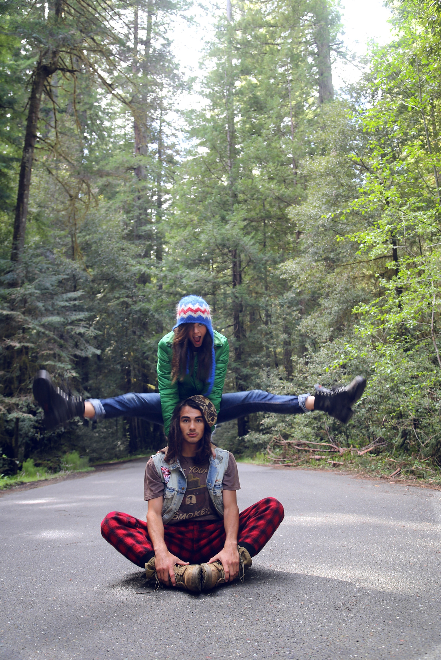 road trip, glamping, redwoods, california, heather van gaale, amber flowers, fashion blog,in the moment, candid, freedom, millennial, avenue of the giants, road shot, hip couple