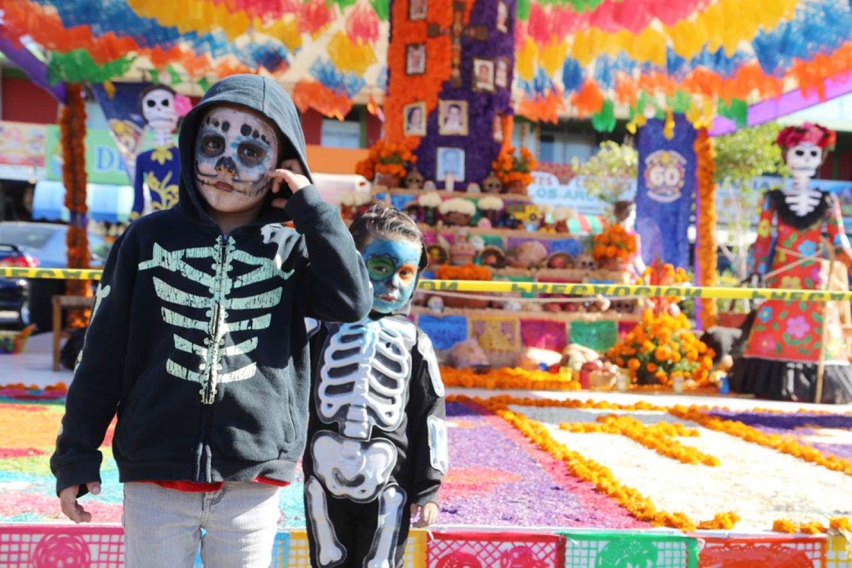 dia de los muertos children skeleton