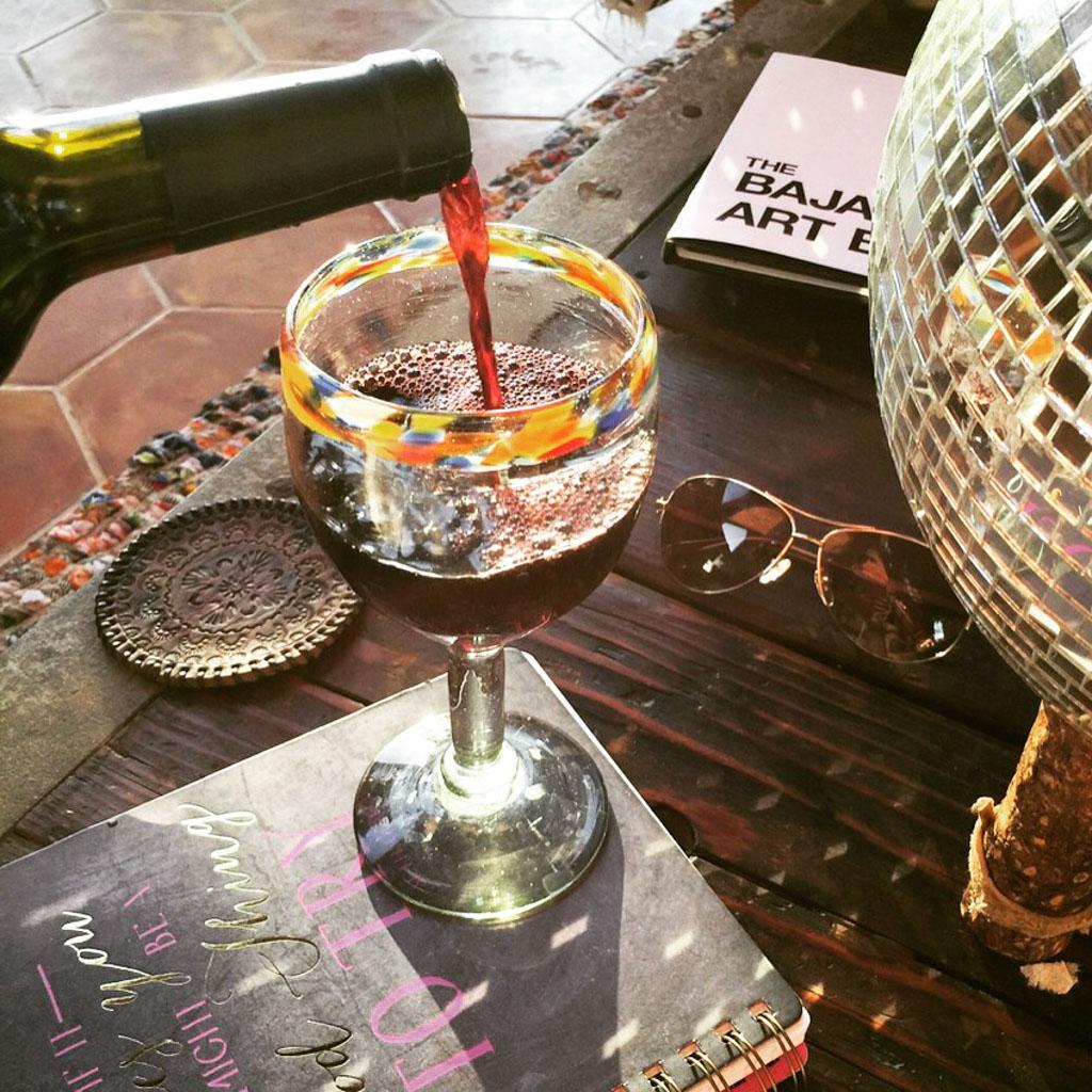 wine,glass,pour,baja,flat lay,wino,disco,sun