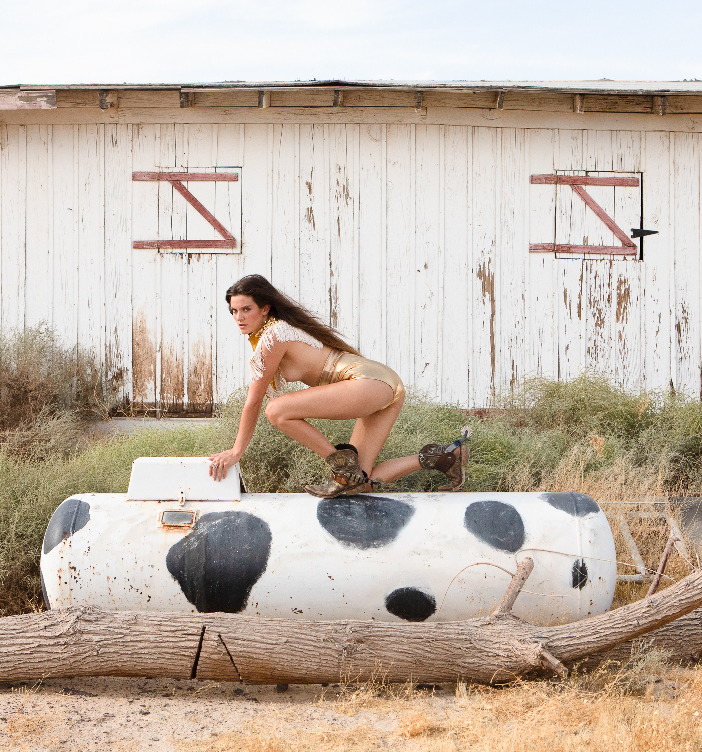 western Americana fashion photographer in the desert styled with a space cowgirl vibe